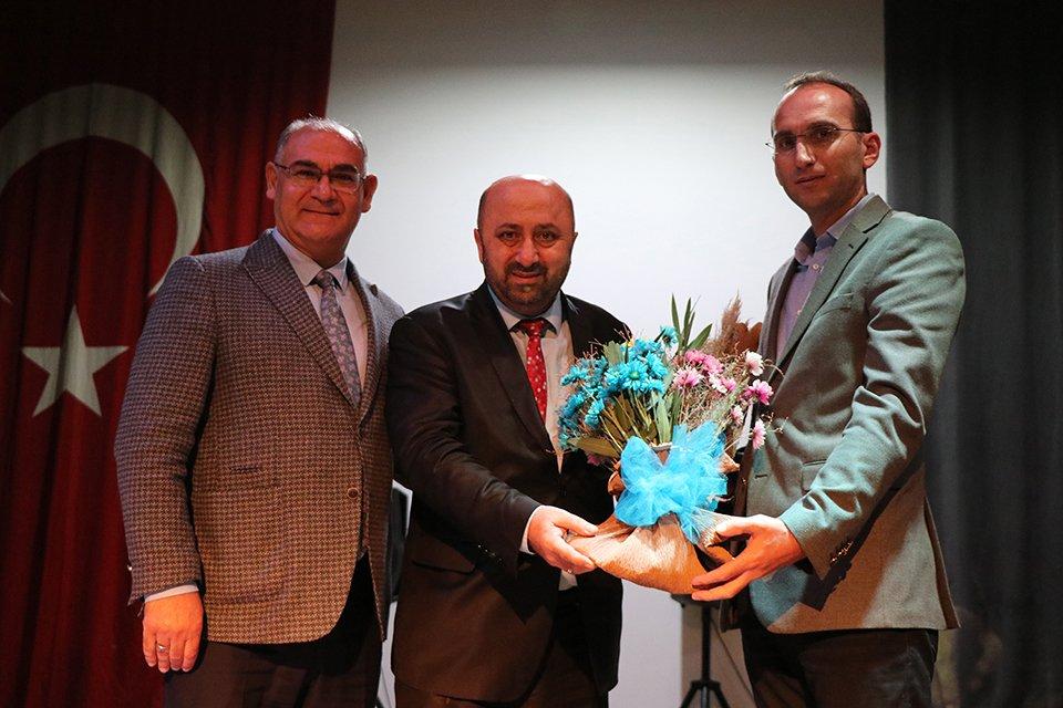 İlahiyatçı Yazar Ömer Döngeloğlu Pozantı'da
